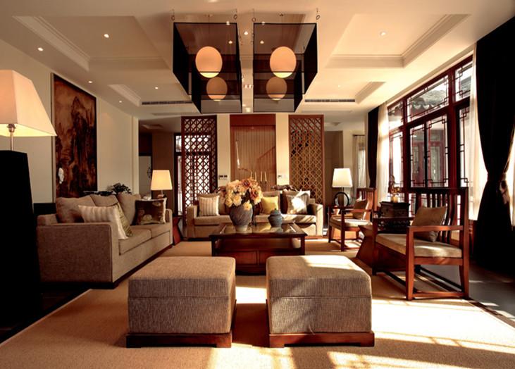 本案根据户主要求进行设计,从古典元素中提炼一些经典部分加以调和,与现代元素同时运用,使得整个室内给人古今相容的效果,体现了文化艺术的同时还不缺乏现代的时尚感。