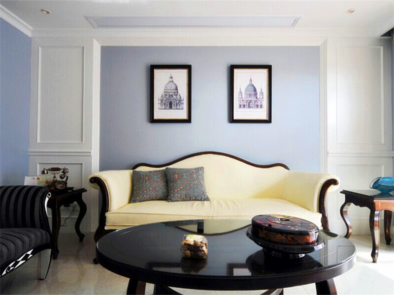 設計說明:沙發、茶幾、邊幾的弧度造型,使美式風格的韻味更加濃重。