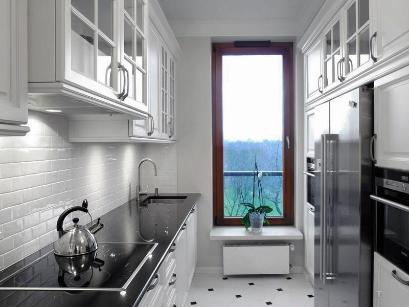 設計理念:本案例是現代美式風格裝修效果圖。現代美式風格是時代發展趨勢的產物。色彩相對傳統美式更加豐富,更加年輕化,家具選擇更有包容性。追求華麗、高雅的古典風格。居室色彩主調為白色。空間環境多表現出華美、浪漫的氣氛。