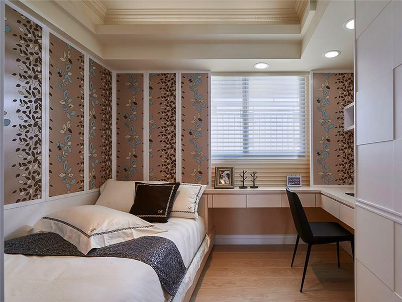 設計說明:合理運用每一個空間是設計師的基本功,這里設計師將書法和客房融合在一個空間,但絲毫不顯擁擠,布局十分和諧實用。