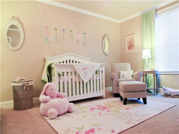 粉色卧室装修效果图