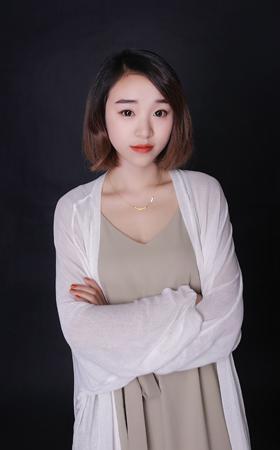 首席设计师-覃旭红