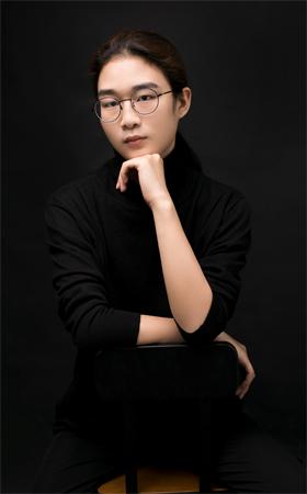 资深设计师-李浩