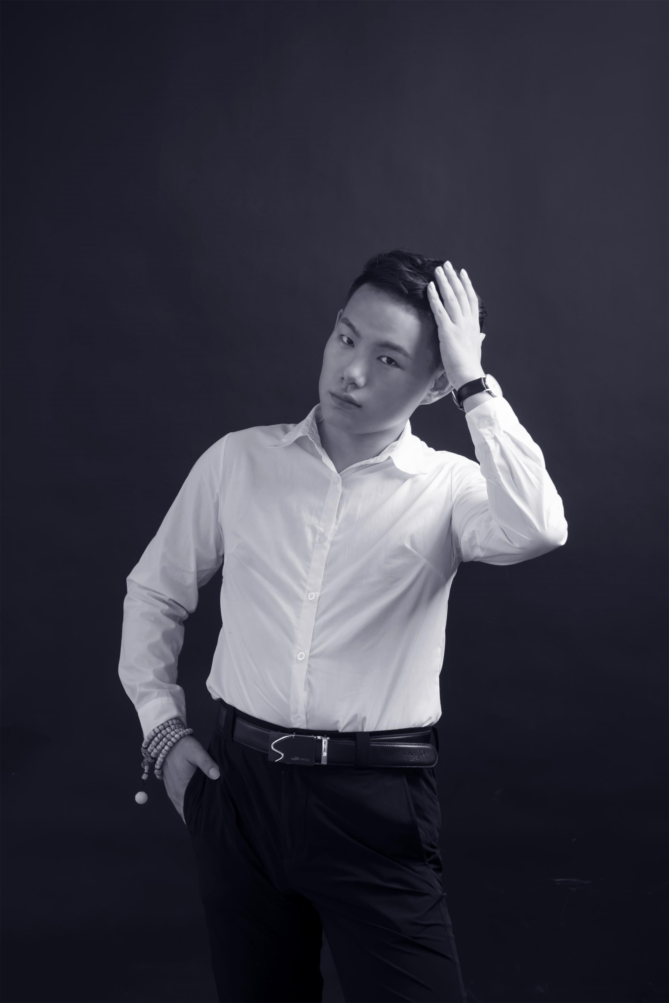 资深设计师-袁肇壮