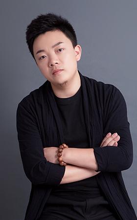 首席设计师-李新奇